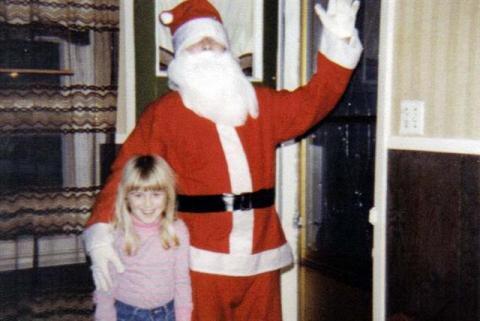 Michel habillé en Père Noël.